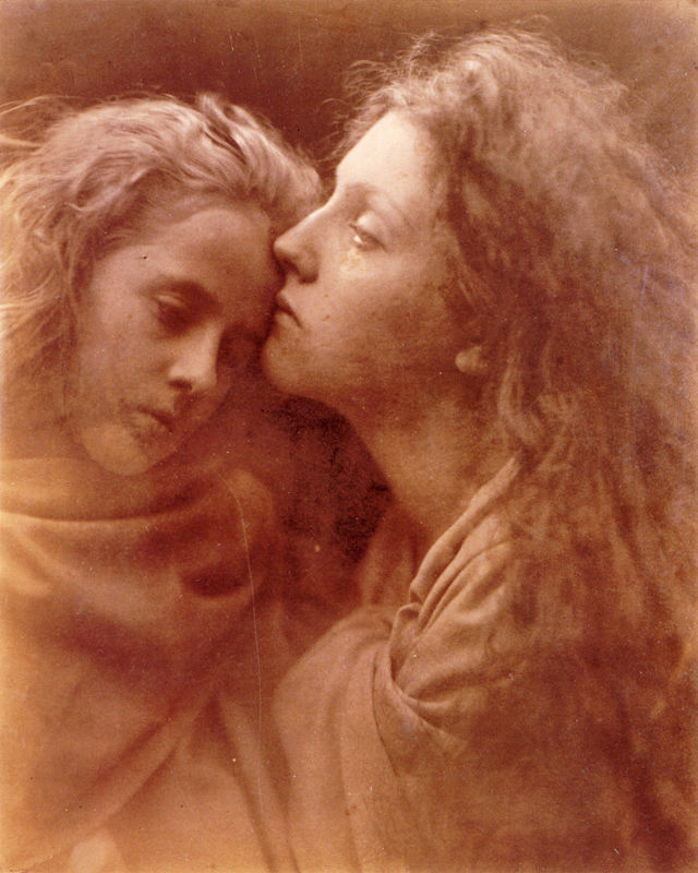 http://www.takefoto.ru/userfiles/image/Dlya%20Statey/01.02.2013/Julia_Cameron/The_Kiss_of_Peace_by_Julia_Margaret_Cameron.jpg